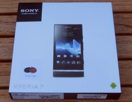Sony Xperia P (Verpackung)