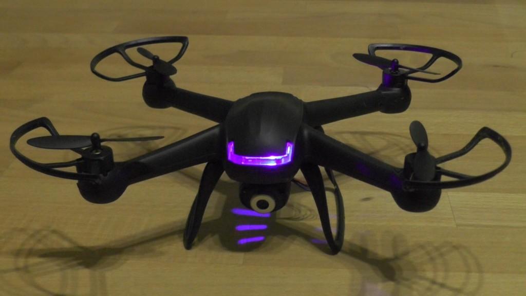 DM007 Spy Quadcopter Unboxing und Vorstellung - 01